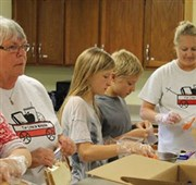 La Crescent UMC unites community through sack lunch program